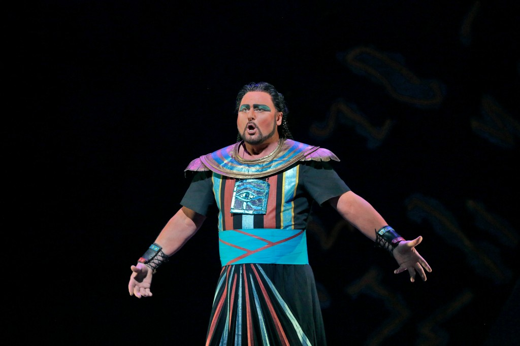 Tenor Walter Fraccaro as Radames. Photo by Ken Howard.
