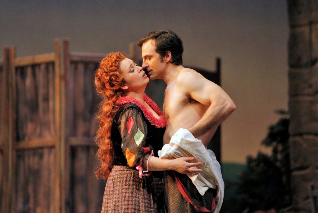 Soprano Adina Nitescu as Nedda and baritone David Adam Moore as Silvio.